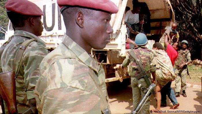 Bildergalerie Genozid in Ruanda Evakuierung Mille Collines Hotel