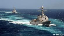 USS Kidd und USS Pinckney im Pazifik