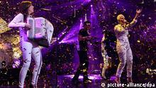 Die Sängerin Ela von der Band _Elaiza_ singt sich am 13.03.2014 in Köln (Nordrhein-Westfalen) bei der Fernsehshow Unser Song für Dänemark dem Vorentscheid für den Eurovision Song Contest (ESC) den Siegersong. Foto: Henning Kaiser/dpa