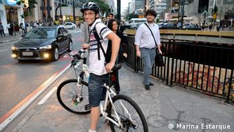 Paulo Alves mit seinen Fahrrad in Sao Paulo