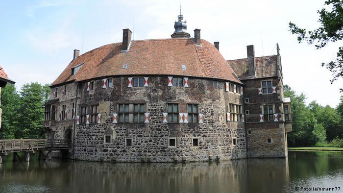 Замок Фишеринг (Burg Vischering)