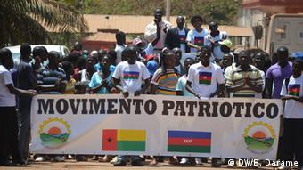 Unterstützer der Partei Movimento Patriótico (DW/B. Darame)