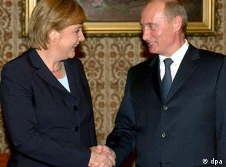German Chancellor Angela Merkel and Russian President Vladimir Putin in Moscow