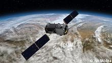 HANDOUT - Die undatierte Darstellung zeigt den Nasa-Satelliten «Orbiting Carbon Observatory-2» (OCO). Die US-Raumfahrtbehörde Nasa schickt 2014 fünf Missionen zur Erforschung der Erde ins Weltall. Foto: NASA/dpa (zu dpa Nasa startet in diesem Jahr fünf Missionen zur Erderforschung vom 23.01.2014 - ACHTUNG: Verwendung nur zu redaktionellen Zwecken und nur bei vollständiger Quellenangabe «Foto: NASA/dpa»)