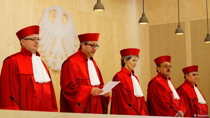 Po mišljenju ekonomskog stručnjaka, Ustavni sud nije trebao priznati odluku Europskog suda jer ona nije samo protivna interesima Njemačke, nego i samim propisima EU-a