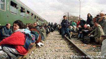 Flüchtlinge im Kosovo-Krieg (1999) (Foto: dpa)