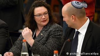 German minister for Labour and Social Security, Andrea Nahles (SPD), and her Israeli counterpart Naftali Bennett (Photo: Rainer Jensen /dpa)