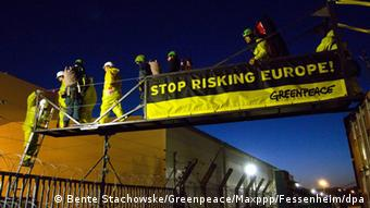 Greenpeace Protest Atommeiler Fessenheim 18.03.2014 Foto: Bente Stachowske / Greenpeace /Maxppp