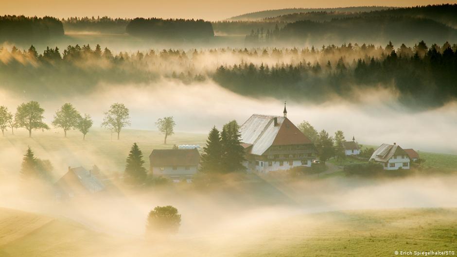 Крестьянское подворье в окрестностях города Фуртвангена (Furtwangen)