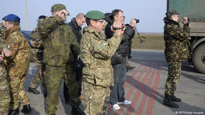 OSZE-Beobachter auf der Krim (Foto: AFP)