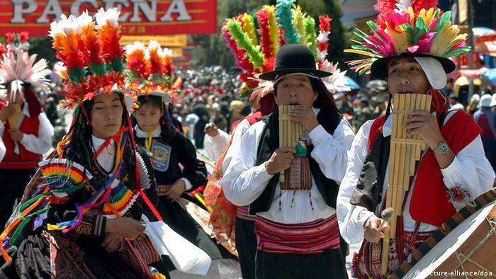 Conjunto de flautas de Pan en La Paz
