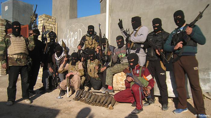 ناتوانی ارتش عراق برای مقابله با گروه تروریستی دولت اسلامی، دولت این کشور را بیش از پیش به شبهنظامیان شیعه وابسته کرده است