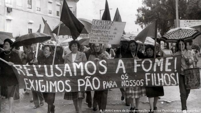 b9b32dab6 As mulheres da Revolução dos Cravos | 25 de Abril e Independências ...