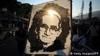 Romero será proclamado beato el 23 de mayo de 2015.