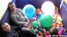 FOTO 1: Int. Tag der Kinder mit Down Syndrom. Datum: 19.03.2014 Die Kinder im Zentrum für behinderte Kinder in Banja Luka Die Autorin der Fotos ist Aleksandra Slavnic - Korrespondentin der DW aus Banja Luka (Bosnien und Herzegowina) Datum: 19.03.2014