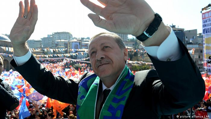 Erdogan auf Wahlkampftour (Foto: Anadolu Agency)