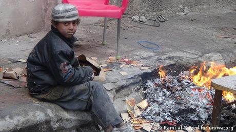 Ein Mann im Yarmouk Camp bei Damascus in Syrien