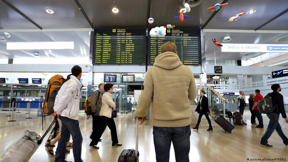 Unnerving security deficits uncovered at Frankfurt Airport | DW | 21.12.2014