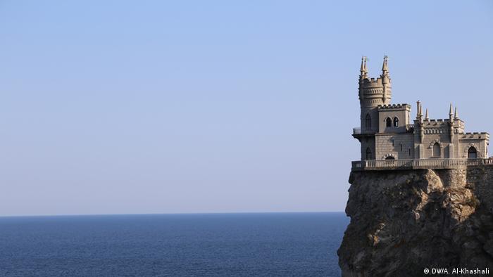 Ласточкино гнездо - одна из главных достопримечательностей Крыма