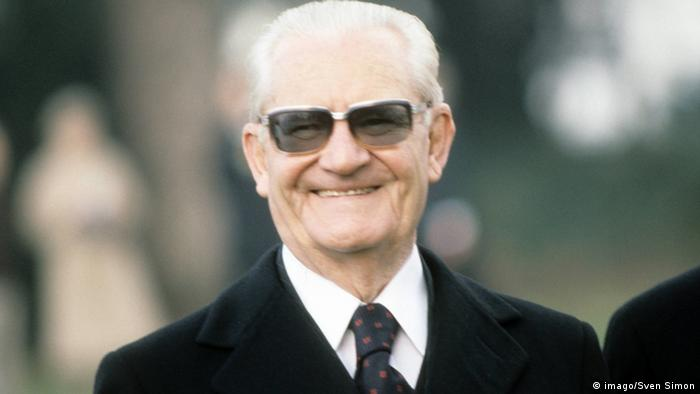 Ernesto Geisel sorrindo