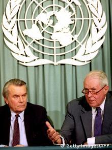 Dejvid Oven i Sajrus Vens, na konferenciji za mirovni plan, 2.februar 1993.