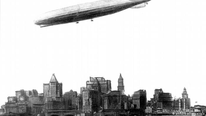 LZ 126 над Нью-Йорком