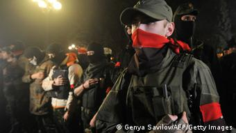 Чимало активістів Правого сектора після участі в акціях протесту на Майдані у Києві відправилися воювати на Донбас