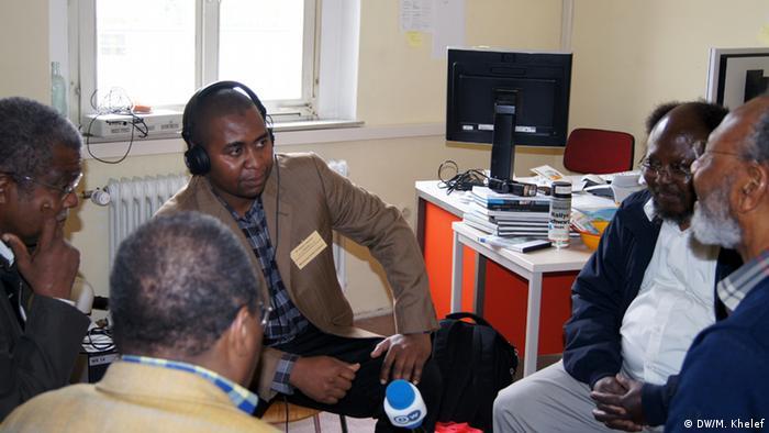 Moderator Mohammed Khelef - 3. DSC00515 - Mohammed Khelef of DW Kiswahili moderating a radio discussion for Kiswahili program