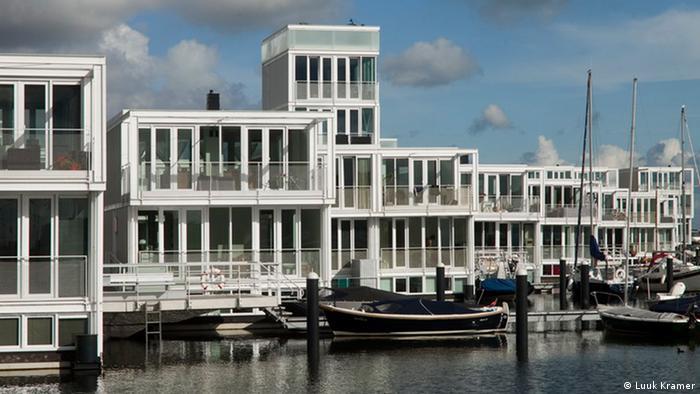 Floating houses in Steigereiland, in eastern Amsterdam (Photo: Luuk Kramer)