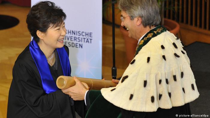 Park Geun Hye erhält Ehrendoktorwürde in Dresden