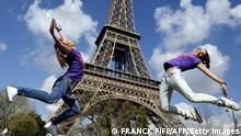 Bildergalerie Eiffelturm Touristen