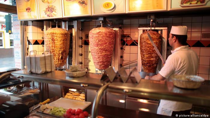 Kebab z cielęciny, kurczaka czy wołowiny to ulubione danie wielu Niemców