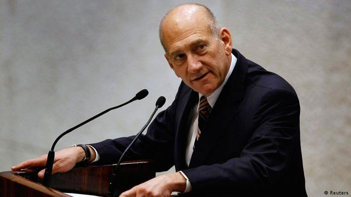 Israel's outgoing Prime Minister Ehud Olmert addresses the parliament before a swearing-in ceremony for Benjamin Netanyahu's new government in Jerusalem in this March 31, 2009 file photo. (Photo: REUTERS/David Silverman)