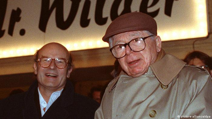 Filmregisseur Billy Wilder und Volker Schlöndorff (Foto: picture-alliance/dpa)