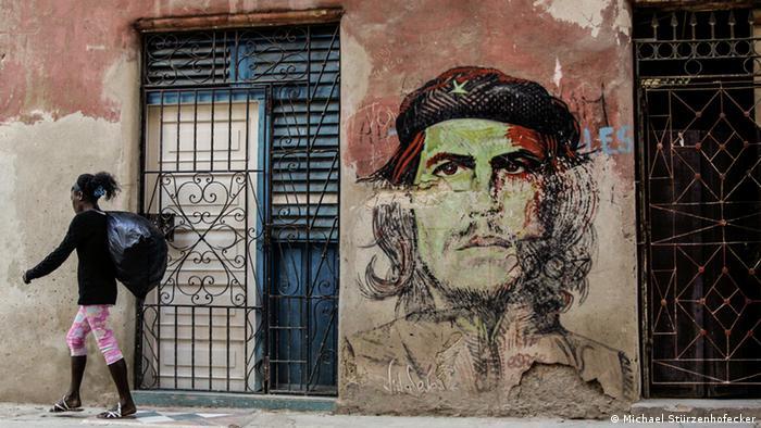 """Nova Constituição cubana elimina termo """"comunismo"""""""