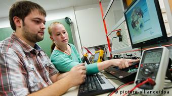 Deutschland Duale Ausbildung Azubis in Sindelfingen Archiv 2013