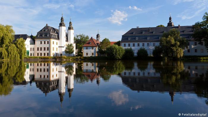 Замок Бланкенхайн (Wasserburg Blankenheim)