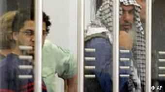 Zwei der vier Verurteilten im Al-Tawhid-Prozeß (Foto: AP)