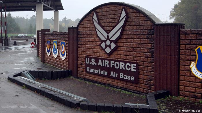 The enrance of the US Airbase in Ramstein (Foto: Daniel Roland/AFP/Getty Images)