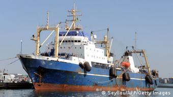 Afrika Illegaler Fischfang aufgebrachter Trawler