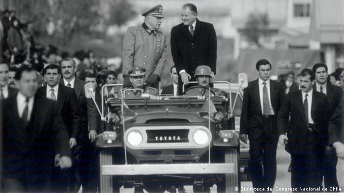 Pinochet and Patricio Aylwin (Biblioteca del Congreso Nacional de Chile)