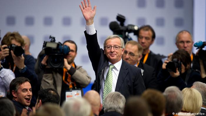 Juncker winkt (Foto: picture-alliance/dpa)