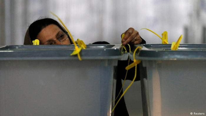 Afghanistan Präsidentschaftswahl Auszählung Frau