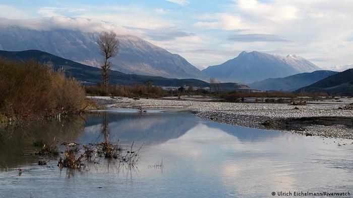 Flut Vjose Fluss Albanien
