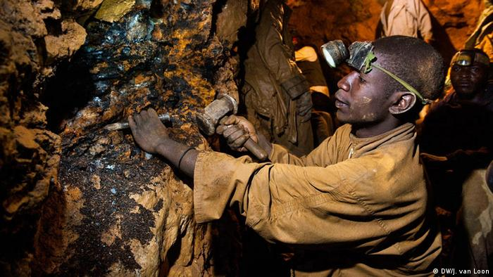 Konfliktfreie Kalimbi-Mine Kongo Minenarbeiter