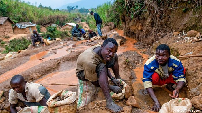 coltan war of the drc This war, which did not initially commence because of the vast mineral wealth of the drc, was largely contributed to and sustained by the mineral coltan (moyroud & katunga, 2002, p 174) mining coltan has extended the conflict as militias are using the wealth generated from the trade of coltan to finance their military agendas.