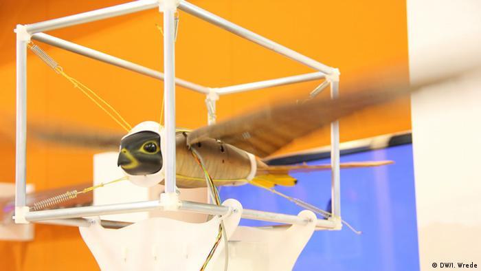 Hannovermesse Vogel-Roboter 2014