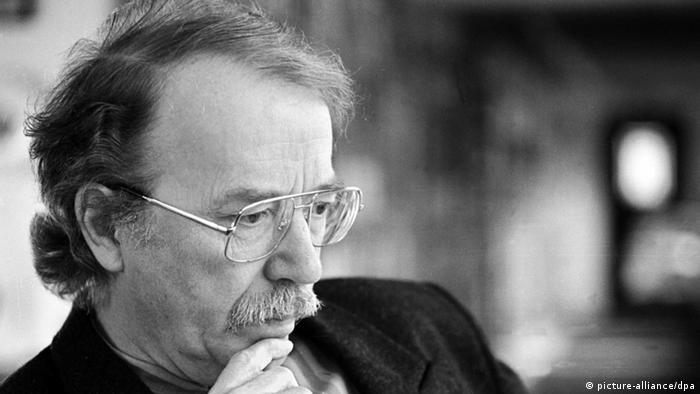 Der Autor Walter Kempowski auf einer Aufnahme aus dem Jahr 1996 (Foto: dpa)