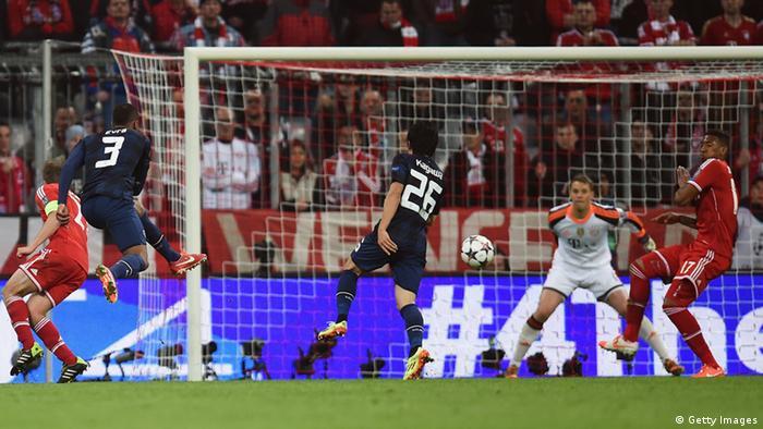 Evra erzielt das 1:0 für Manchester United. Foto: Getty Images