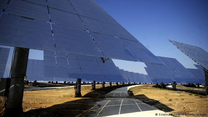 Solaranlage bei Sevilla (Foto: CRISTINA QUICLER/AFP/Getty Images).